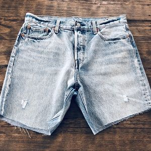 Levi's High Rise Cut off Button Fly Jean Shorts 32